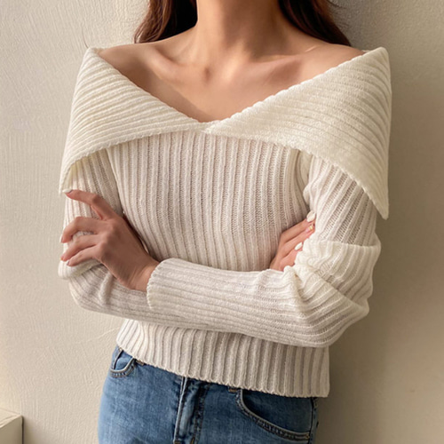 Wide Collar Crop Knit